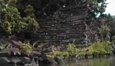 探险旅游–楠马托尔南太平洋之谜